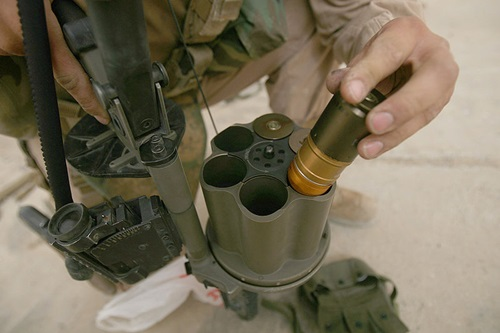 800px-M32_Grenade_Loading