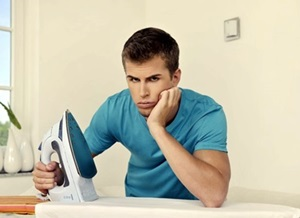 man-hates-ironing_1