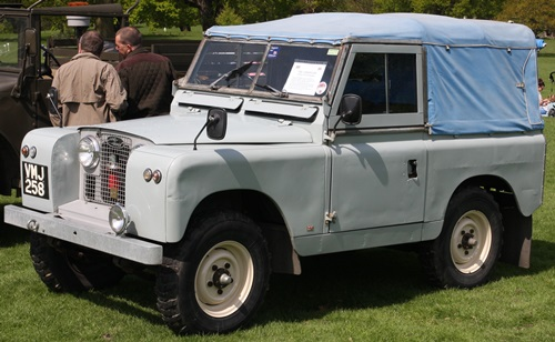 Land_Rover_swb_registered_October_1958_2286cc