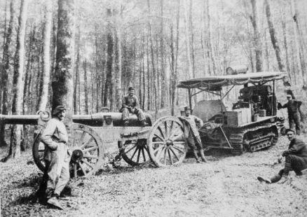 1280px-Artillery_tractor_in_France_Vosges_Spring_1915